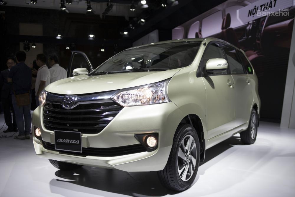 Xe ô tô 7 chỗ giá 800 triệu tốt nhất cho khách Việt năm 2019 8