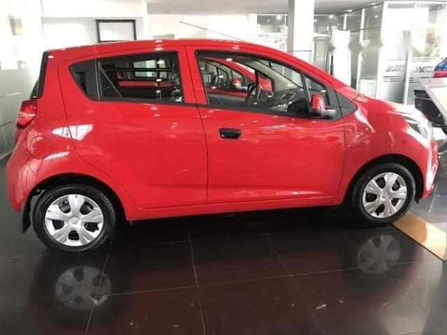 Bán ô tô Chevrolet Spark Van 2018, màu đỏ giá cạnh tranh (4)