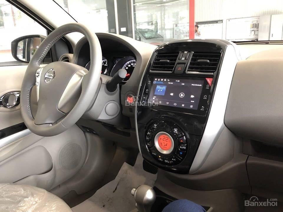 Đánh giá xe Nissan Sunny Q-Series 2019: Xe được trang bị những tiện nghi cơ bản nhất.