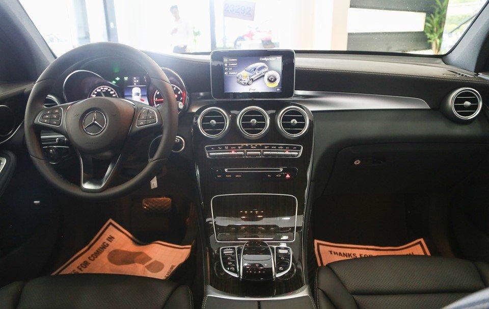 Giá xe Mercedes-Benz GLC200 a3