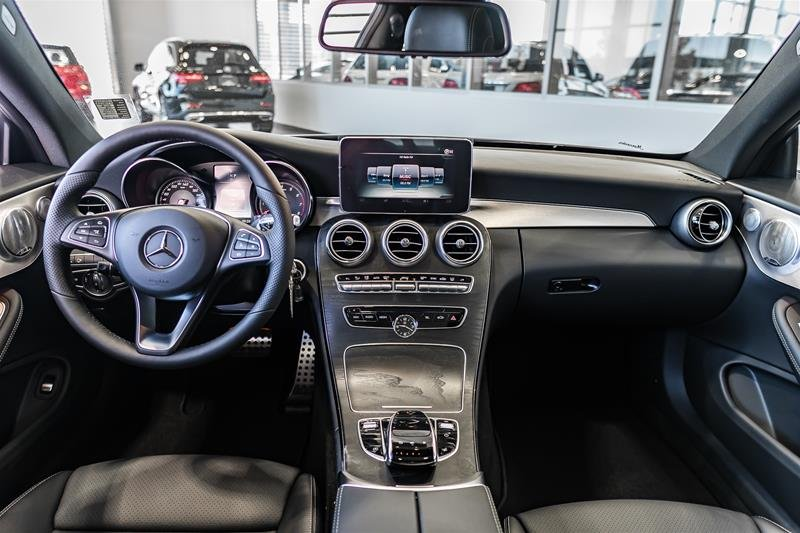 Giá xe Mercedes C300 2018 mới nhất 1 a3