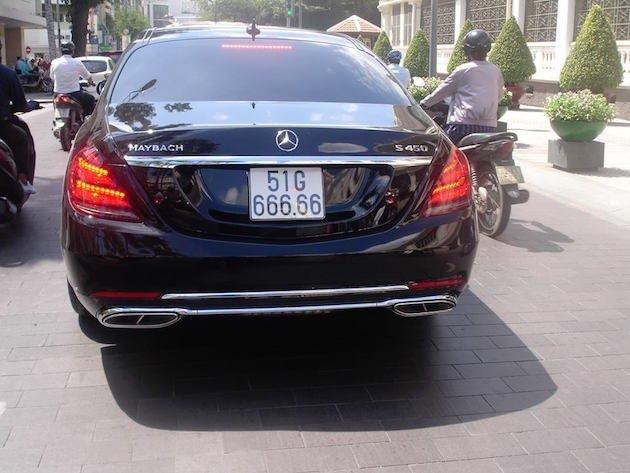 """Bắt gặp Mercedes-Maybach biển """"ngũ quý"""" 6 sang chảnh dạo phố Sài Gòn a3"""