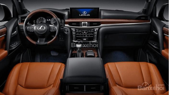 So sánh Lexus LX 570 2018 và Land Rover Range Rover 2018 về nội thất 1...