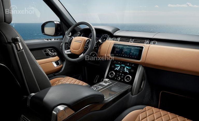 So sánh Lexus LX 570 2018 và Land Rover Range Rover 2018 về nội thất 2...