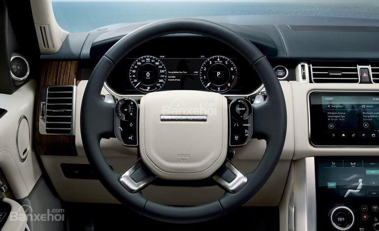 So sánh Lexus LX 570 2018 và Land Rover Range Rover 2018 về nội thất 3...