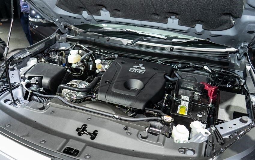 Ảnh chụp động cơ xe Mitsubishi Triton 2019