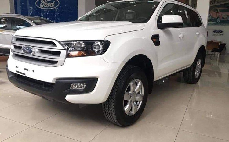 """Soi"" Ford Everest Ambiente 2019 bản giá rẻ 999 triệu đồng a17"