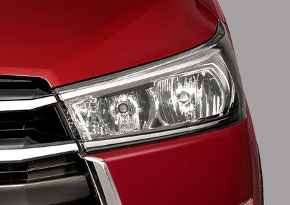 Đánh giá xe Toyota Innova Venturer 2019: Thiết kế đèn pha 1