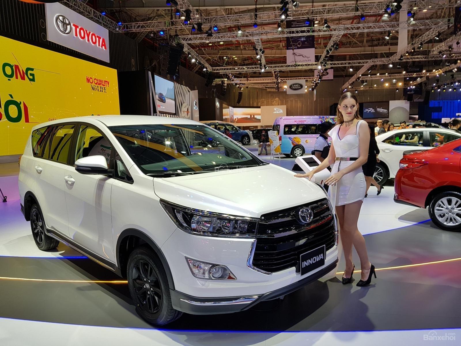 Đánh giá xe Toyota Innova Venturer 2019 nâng cấp vừa ra mắt Việt Nam a1