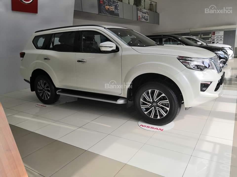 Nissan Terra giá tốt, lăn bánh với 250 triệu, khuyến mại lớn, hỗ trợ trả góp đơn giản, LH 0868.653.663 (Ms Tuyết)-3