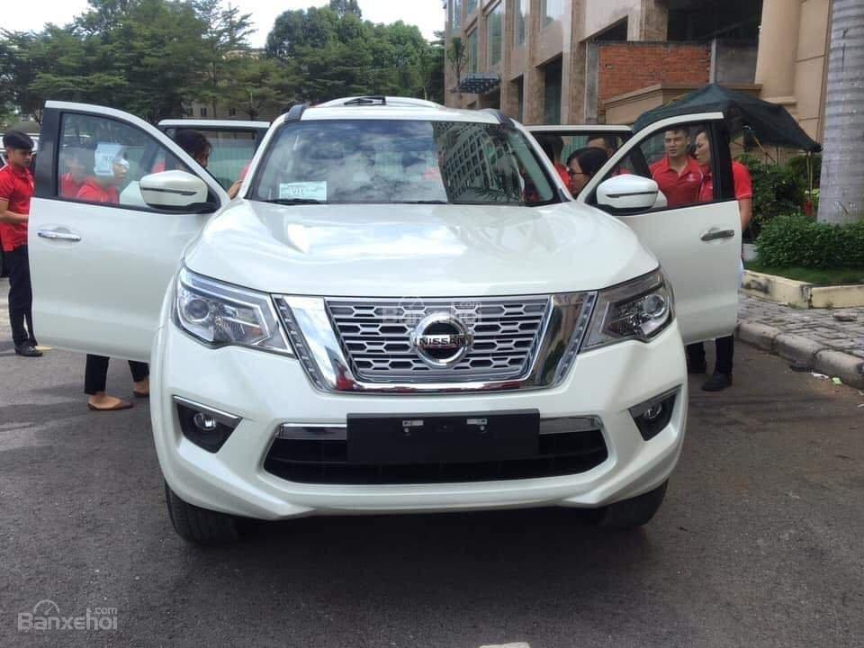 Nissan Terra giá tốt, lăn bánh với 250 triệu, khuyến mại lớn, hỗ trợ trả góp đơn giản, LH 0868.653.663 (Ms Tuyết)-6