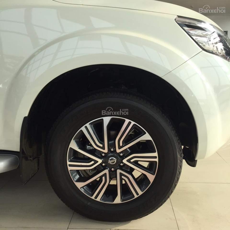 Nissan Terra giá tốt, lăn bánh với 250 triệu, khuyến mại lớn, hỗ trợ trả góp đơn giản, LH 0868.653.663 (Ms Tuyết)-9