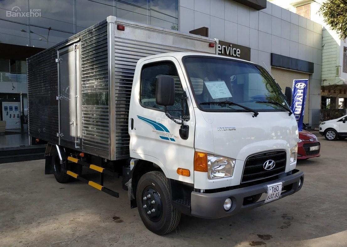 Hyundai Migthy 75S thùng kín inox, có sẵn xe giao ngay, giảm giá lên đến 20 triệu đồng (1)