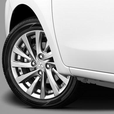 Có tầm 500 triệu đồng, nên mua Mitsubishi Attrage 2018 hay Mazda2 2018? 12.