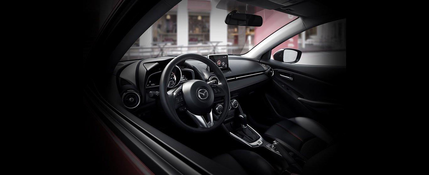 Có tầm 500 triệu đồng, nên mua Mitsubishi Attrage 2018 hay Mazda2 2018? 17.
