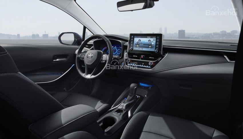 Nội thất Toyota Corolla Altis 2020.