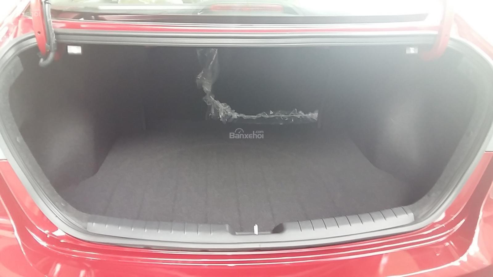 Bán Hyundai Elantra 1.6AT 2018, màu đỏ, tặng gói phụ kiện 20tr, giao ngay xe-3
