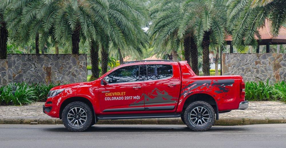 So sánh xe Chevrolet Colorado 2019 và Nissan Navara 2019 về thân xe.