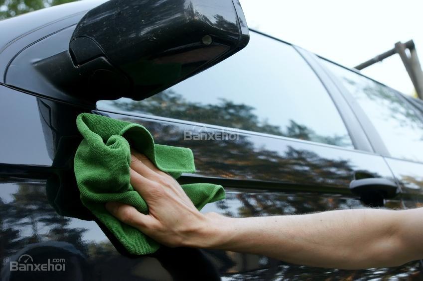 Một số cách làm sạch nội ngoại thất xe hơi trong mùa đông.