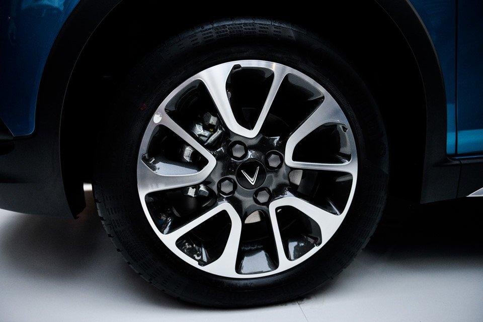 Đánh giá xe VinFast Fadil 2019-2020: Mâm 15 inch.