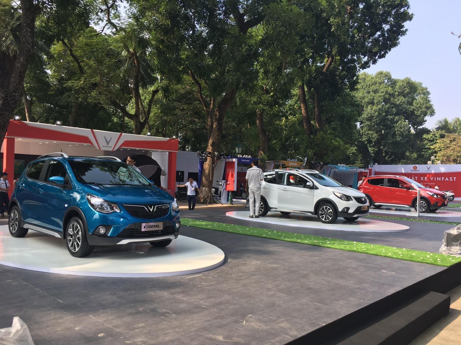 Đánh giá xe VinFast Fadil 2019-2020 hoàn toàn mới tại Việt Nam: Xe có 5 màu ngoại thất.