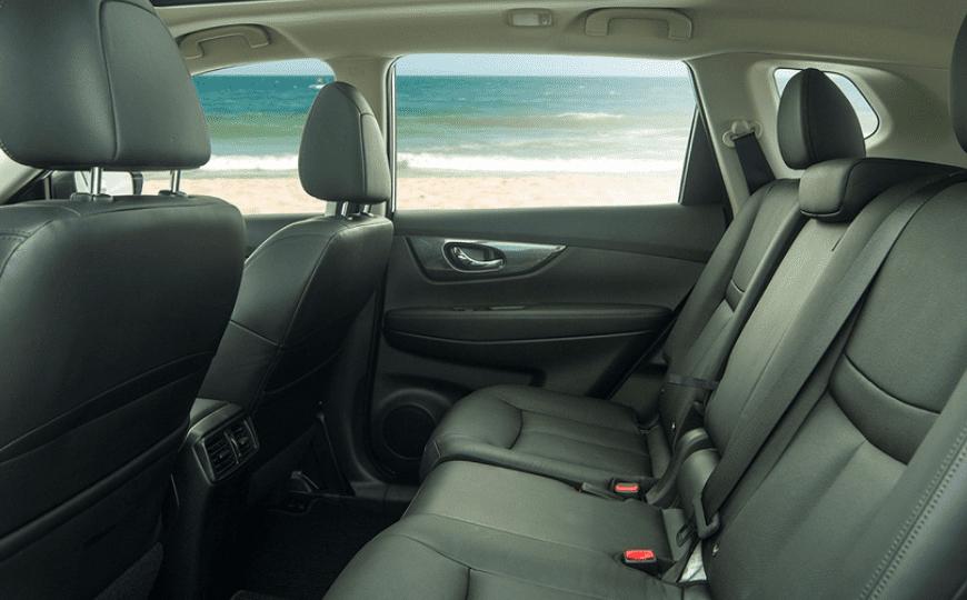 Honda CR-V 1.5 L và Nissan X-Trail V-Series 2.5 SV Luxury về ghế ngồi 4