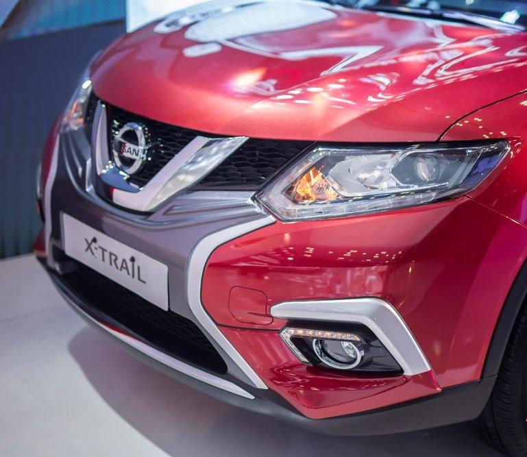 Honda CR-V 1.5 L và Nissan X-Trail V-Series 2.5 SV Luxury về đầu xe 4