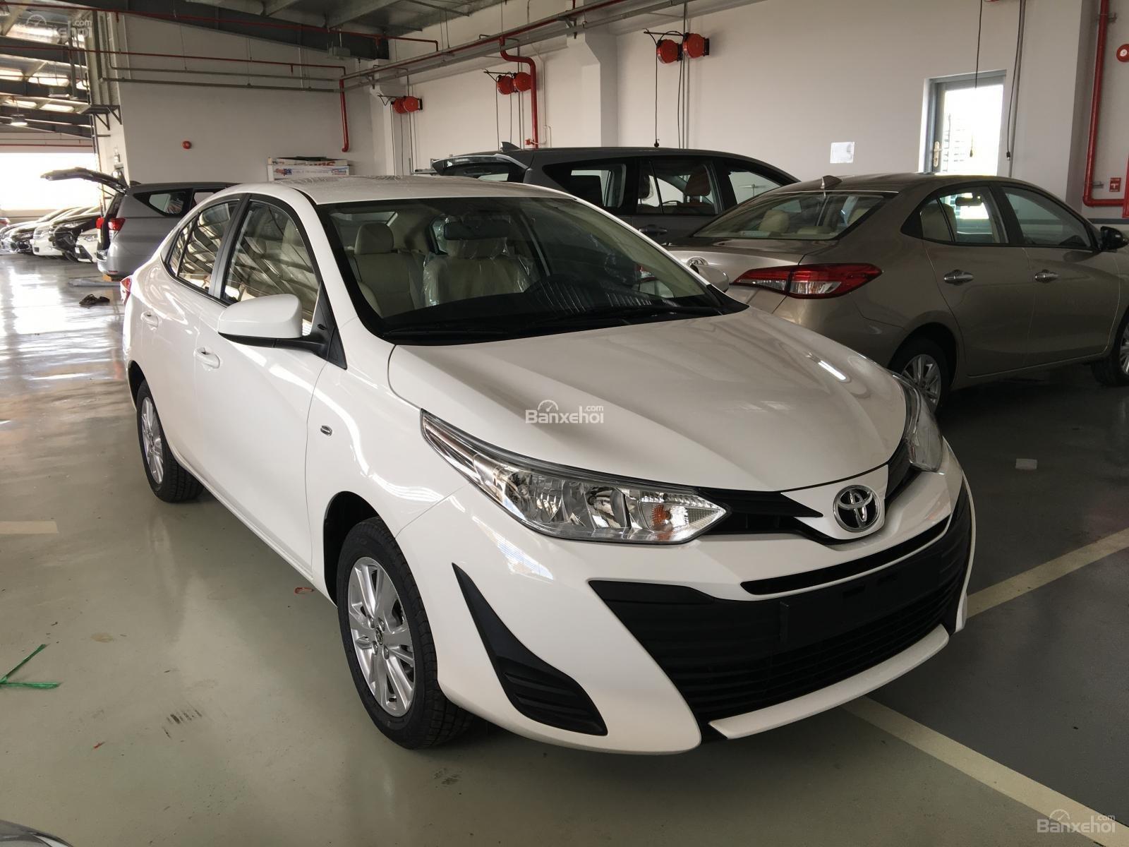 Toyota Vios 2018 - Trả trước 100 triệu nhận xe ngay, tặng bảo hiểm + camera + DVD, LH 0946766699 (Phương)-1