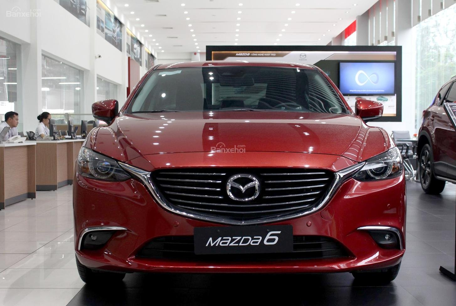 Bán Mazda 6 2.0 AT Premium 2019, xe có sẵn giảm giá cực sốc [Mazda Bình Triệu] (1)