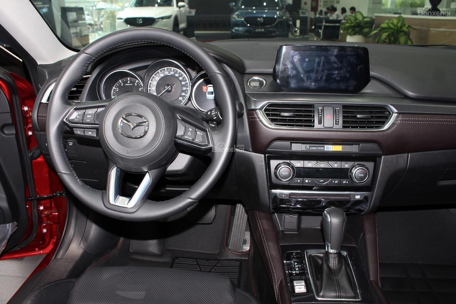 Bán Mazda 6 2.0 AT Premium 2019, xe có sẵn giảm giá cực sốc [Mazda Bình Triệu] (9)