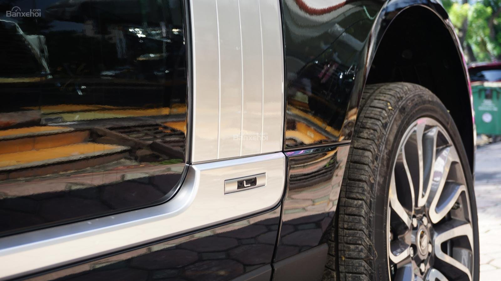 Cần bán LandRover Range Rover Autobio LWB 5.0 2018, màu đen, xe nhập-23
