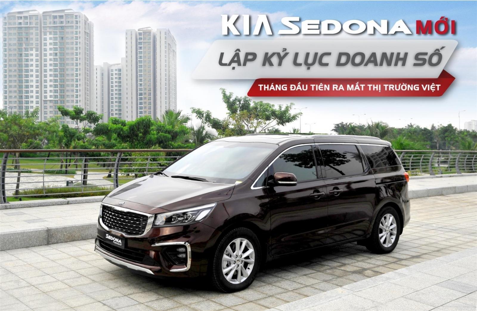 Hơn 400 xe Kia Sedona 2019 bán ra chỉ sau 1 tháng, sức hút từ trang bị mới a7