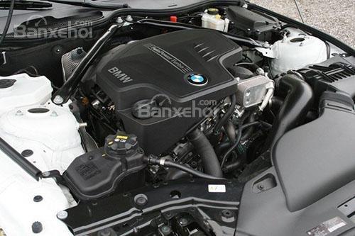 So sánh VinFast LUX A2.0 và Mazda 6 về động cơ 2...