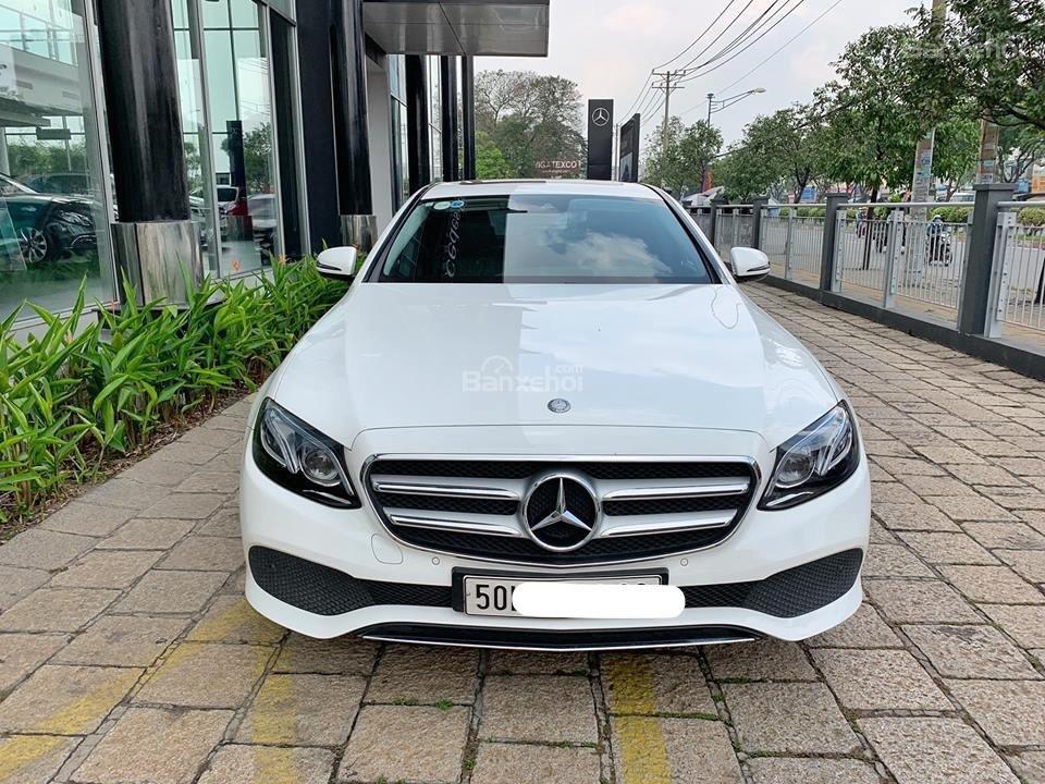 Bán Mercedes E250 2017 trắng đi 6000km, xe còn rất mới, bao test hãng tiết kiệm 500 triệu so với xe mới-0