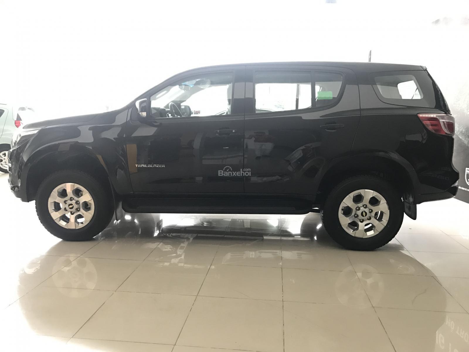 Mẫu SUV 07 chỗ Chevrolet Trailblazer 2.5L 4x2 AT 2018 (Nhập từ Thái Lan), lh 0963613200-3