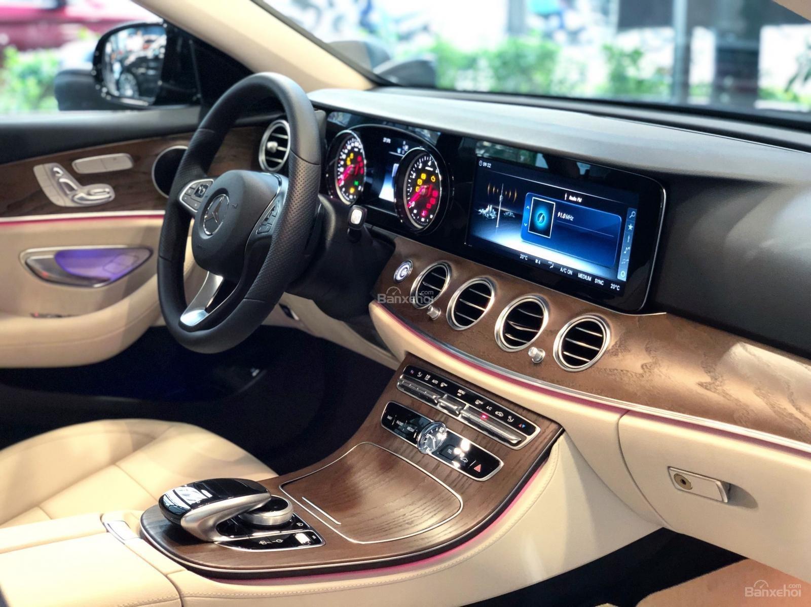 Giá xe Mercedes E200 model 2019, tốt nhất thị trường (4)