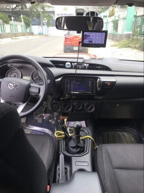 Bán ô tô Toyota Hilux 2.5E năm 2016, màu đỏ, xe nhập số sàn (4)