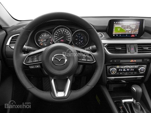 So sánh VinFast LUX A2.0 và Mazda 6 về nội thất 6...