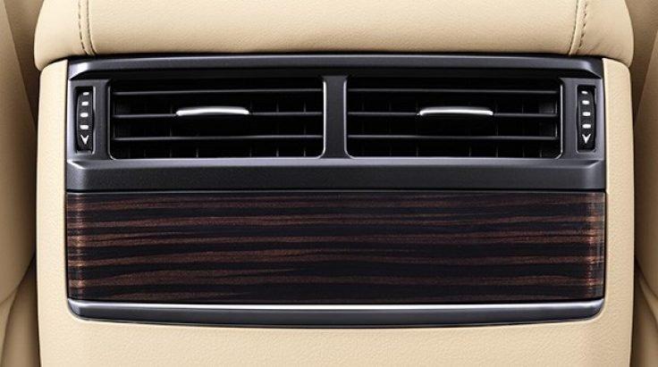 Đánh giá xe Lexus LX 570 2019: Cửa gió điều hòa ốp gỗ sang trọng 1