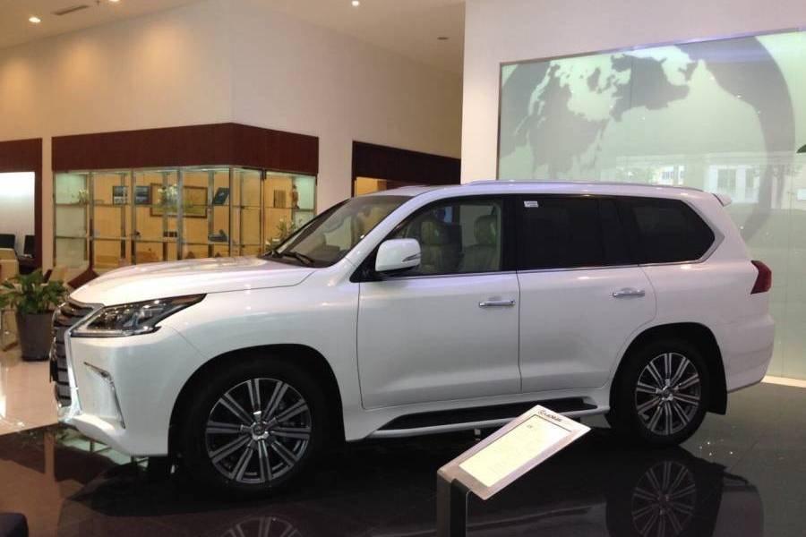 Đánh giá xe Lexus LX 570 2019 bản 7 chỗ tại Việt Nam a2