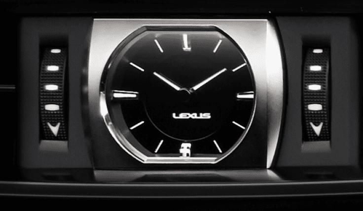Đánh giá xe Lexus LX 570 2019: Đồng hồ tự điều chỉnh giờ theo từng vùng khác nhau 1