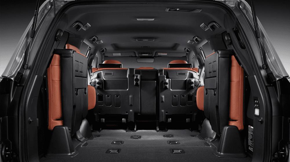 Đánh giá xe Lexus LX 570 2019: Hàng ghế thứ 3 có thể gập lại để tăng diện tích chứa đồ 1