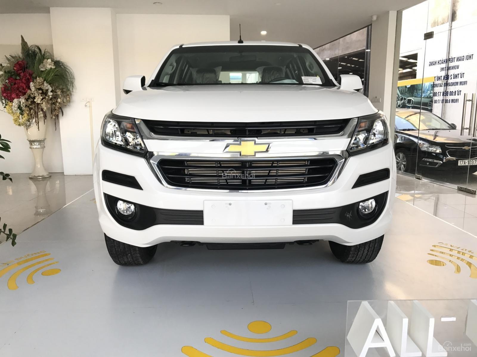 Cần bán Chevrolet Trailblazer 2.5L 4x2 MT LT, màu trắng, nhập khẩu, ưu đãi 30 triệu T12/2018-1