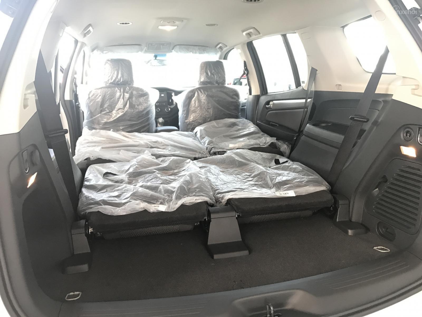 Cần bán Chevrolet Trailblazer 2.5L 4x2 MT LT, màu trắng, nhập khẩu, ưu đãi 30 triệu T12/2018-8
