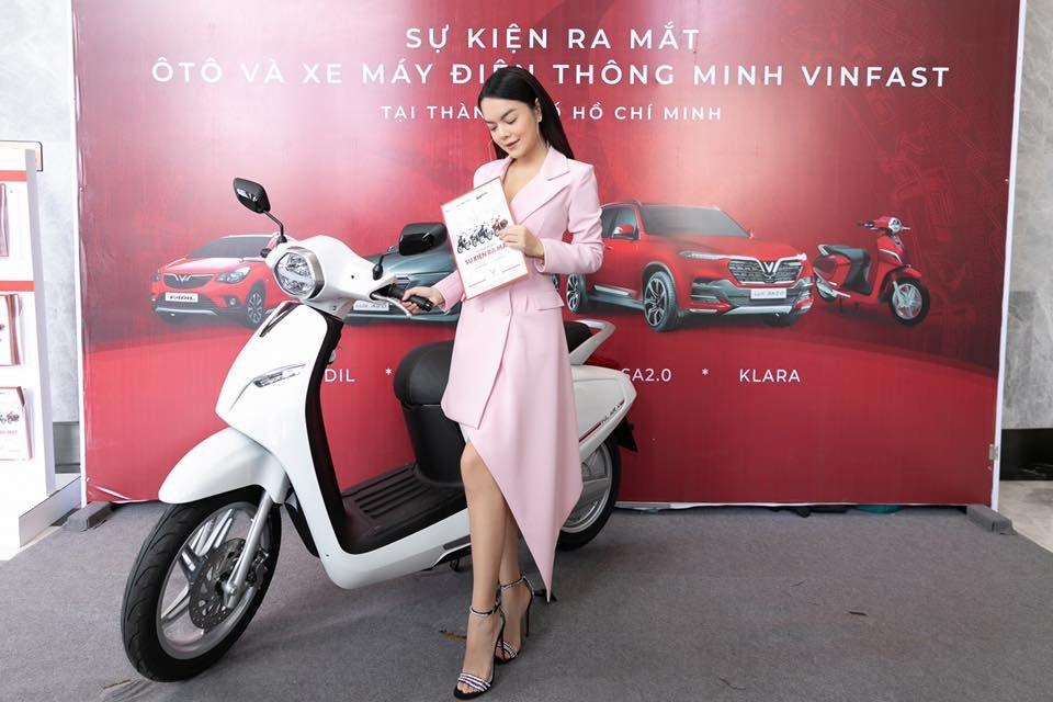 Nữ ca sĩ Phạm Quỳnh Anh