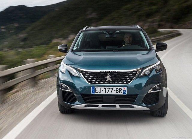 So sánh xe Peugeot 5008 2019 và Ford Everest 2019 về trang bị ngoại thất.