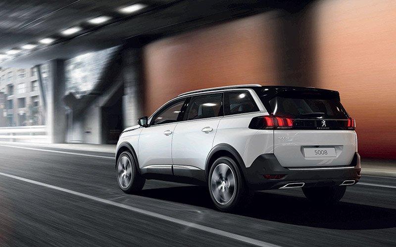 So sánh xe Peugeot 5008 2019 và Ford Everest 2019 về trang bị ngoại thất 10