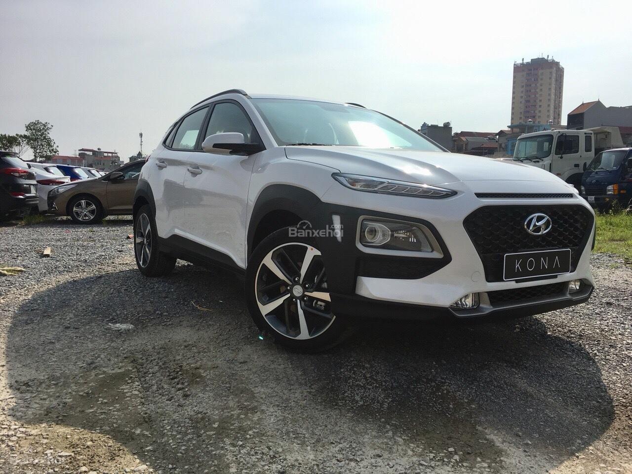 Hyundai Kona 2018 nhập nguyên chiếc, giao ngay, KM cực cao, trả góp 90%, giao ngay, lh ngay: 0981476777 để ép giá-1
