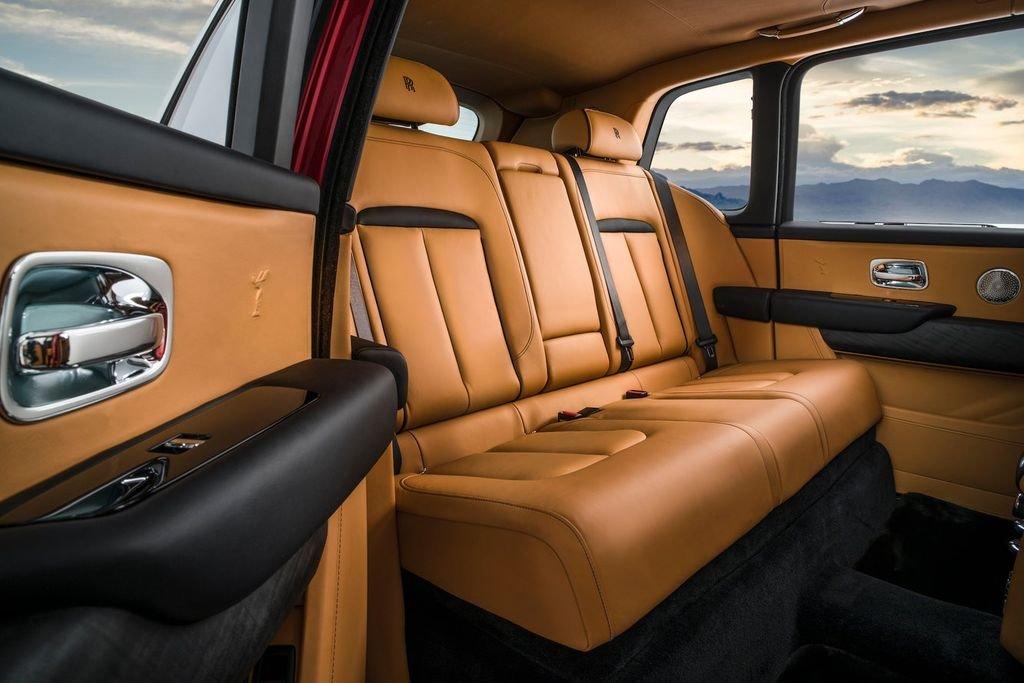 SUV Rolls-Royce Cullinan chốt giá 23 tỷ đồng tại Thái Lan a10