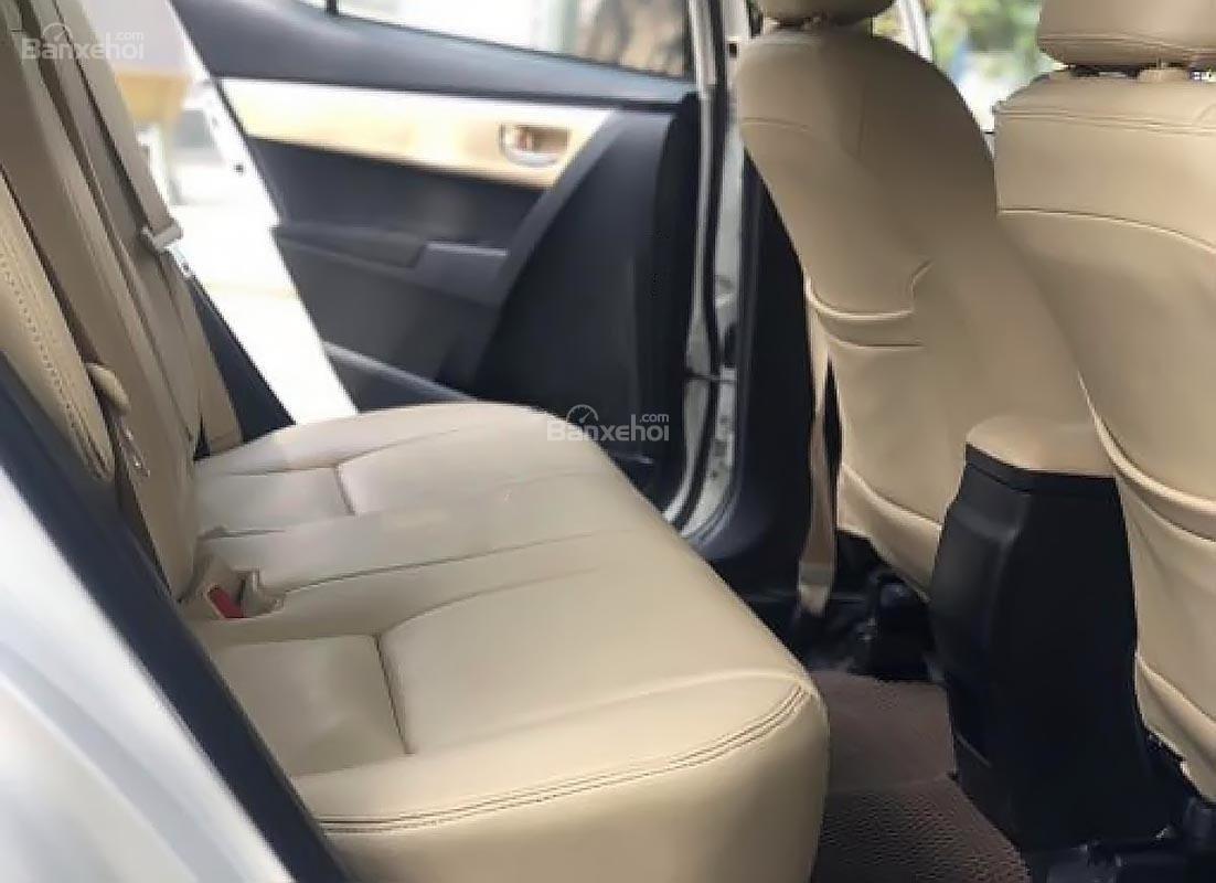 Cần bán xe Toyota Corolla altis 1.8E AT 2017, màu trắng (4)